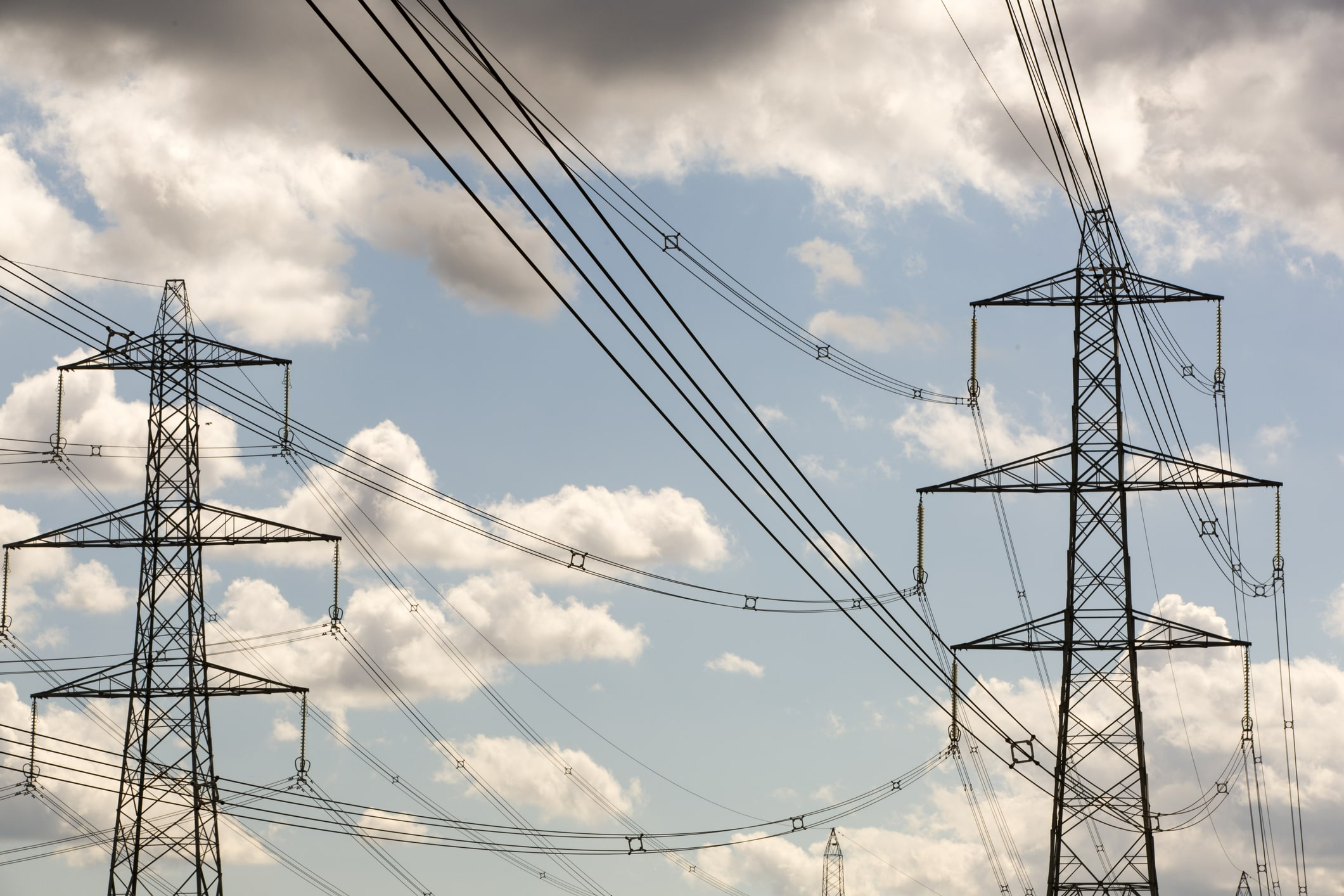 safe operation of cranes near power lines